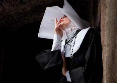 Formento-Formento-smokingnun2